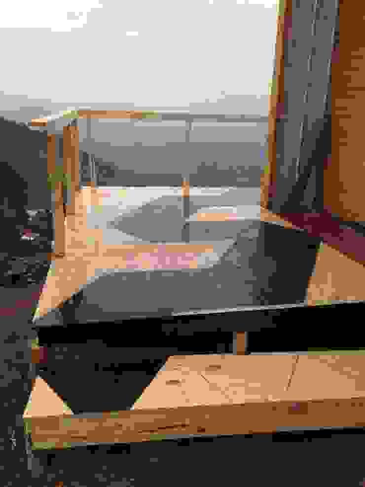 Vivienda Prefabricada 48 m2 Balcones y terrazas industriales de Angular Arquitectos Industrial