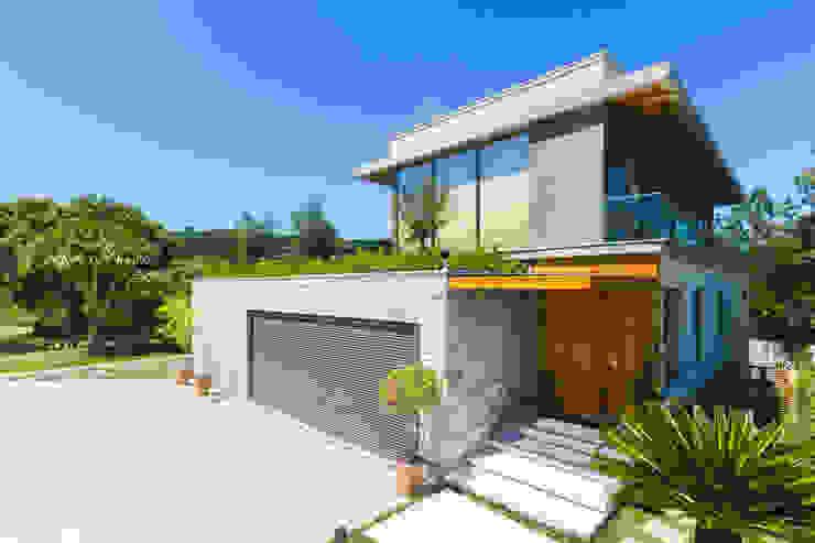 現代房屋設計點子、靈感 & 圖片 根據 homify 現代風 石器