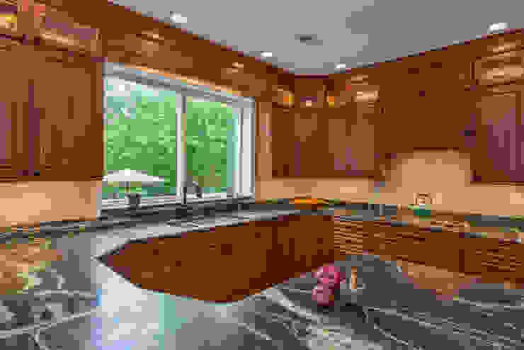Main Line Kitchen Design Dapur Klasik