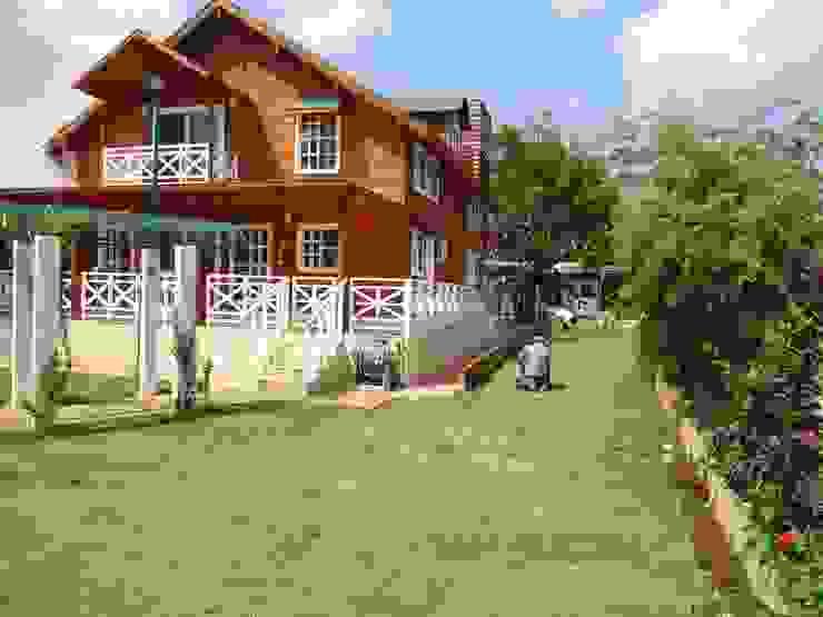 Klassische Häuser von Casas y cabañas de Madera -GRUPO CONSTRUCTOR RIO DORADO (MRD-TADPYC) Klassisch