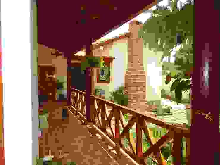 Casas clássicas por Casas y cabañas de Madera -GRUPO CONSTRUCTOR RIO DORADO (MRD-TADPYC) Clássico