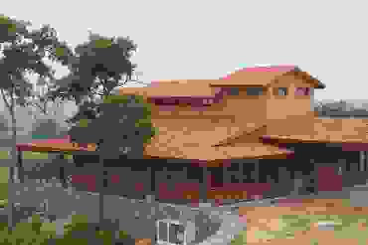 Casas  por Casas y cabañas de Madera  -GRUPO CONSTRUCTOR RIO DORADO (MRD-TADPYC), Clássico