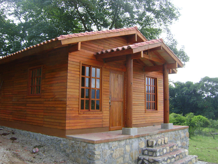 Дома в . Автор – Casas y cabañas de Madera  -GRUPO CONSTRUCTOR RIO DORADO (MRD-TADPYC), Классический