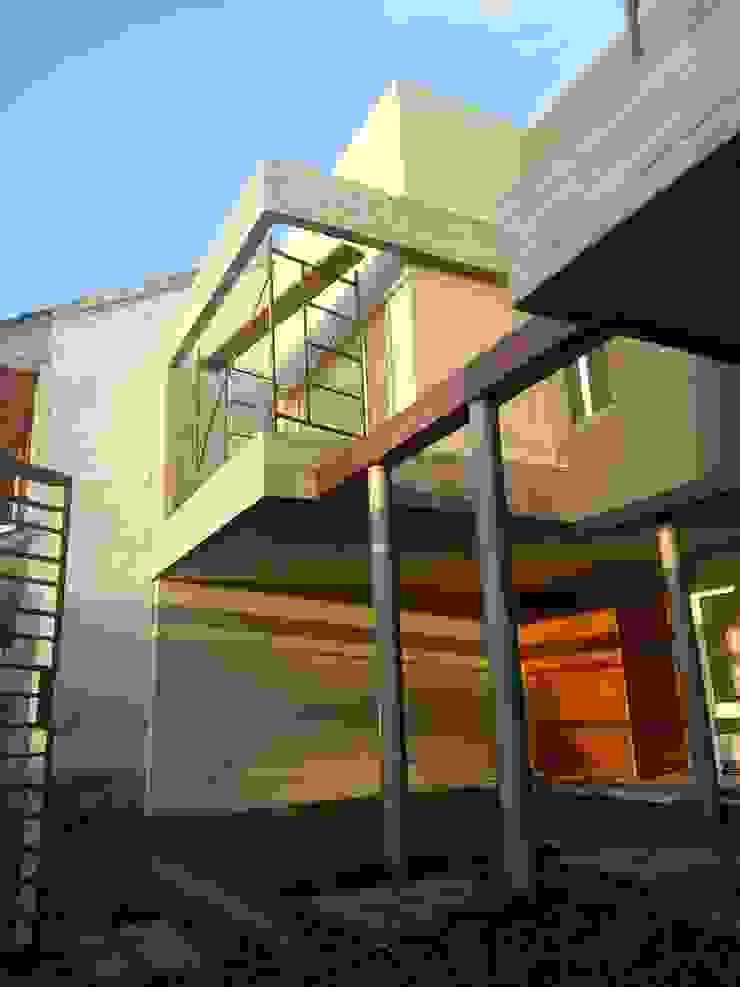 Viviendas JRV Casas minimalistas de Comodo-Estudio+Diseño Minimalista Hormigón