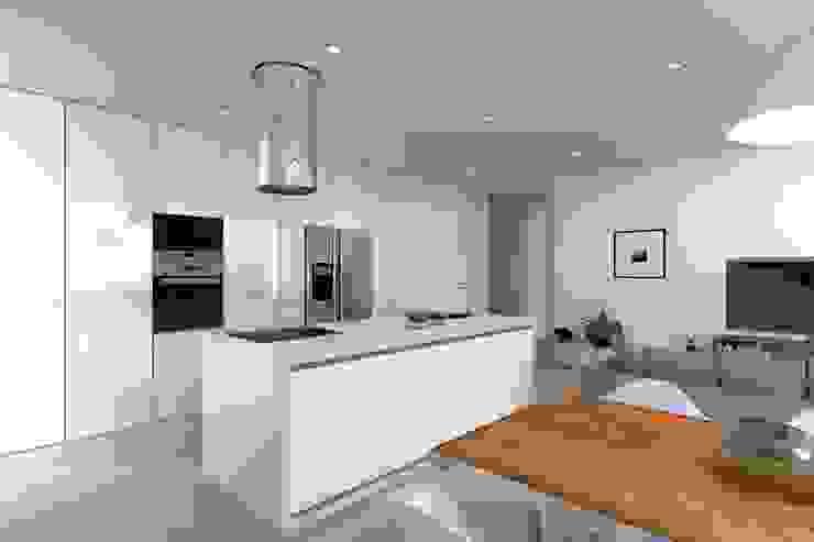 Projeto Esmeralda Cozinhas modernas por Magnific Home Lda Moderno