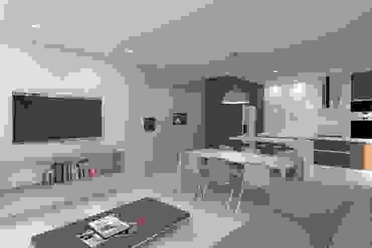 Soggiorno minimalista di Magnific Home Lda Minimalista