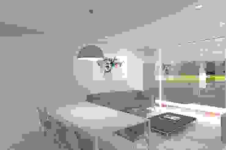 Sala da pranzo minimalista di Magnific Home Lda Minimalista