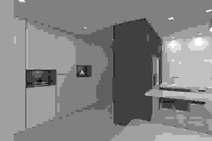 Ingresso, Corridoio & Scale in stile minimalista di Magnific Home Lda Minimalista