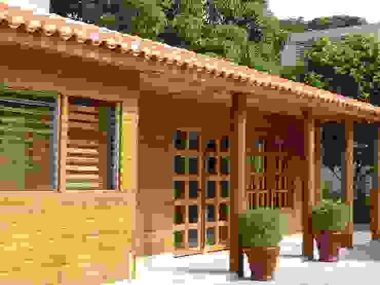 Ruang Kerja oleh Casas y cabañas de Madera  -GRUPO CONSTRUCTOR RIO DORADO (MRD-TADPYC)