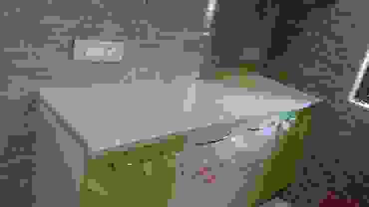 MODULAR KITCHEN Minimalist kitchen by Akanksha Designs Minimalist