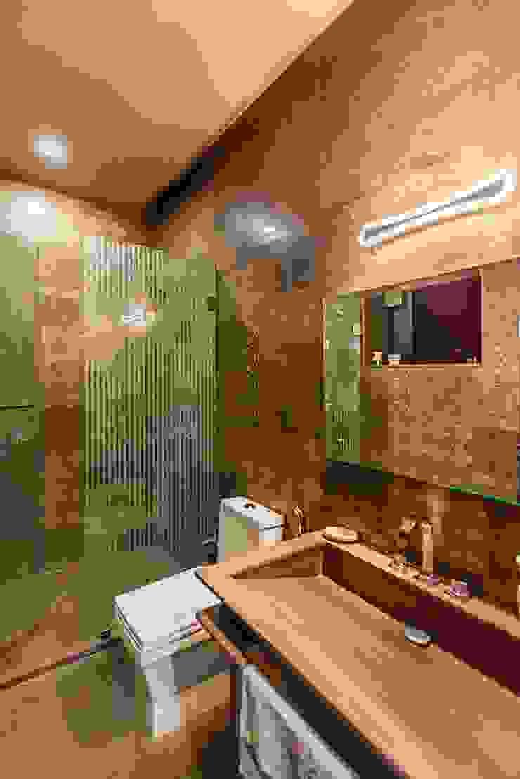 Toilet by VB Design Studio Eclectic