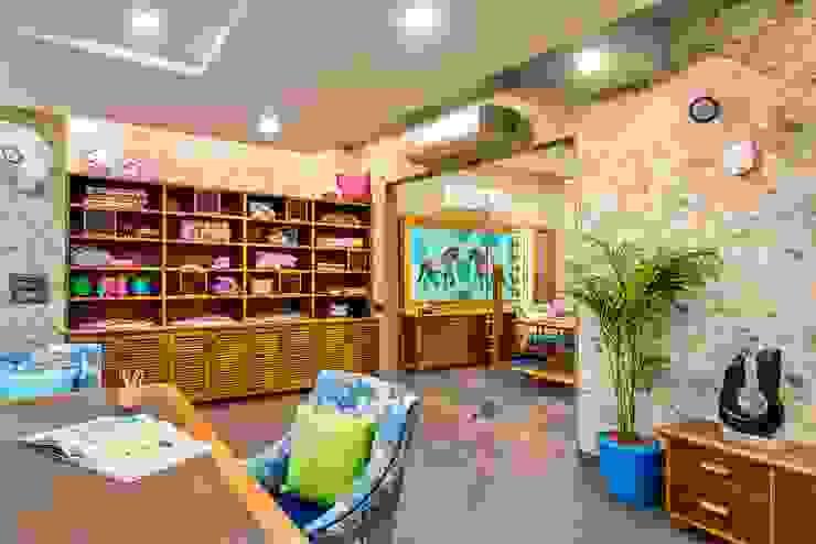 Studio Work space by VB Design Studio Eclectic