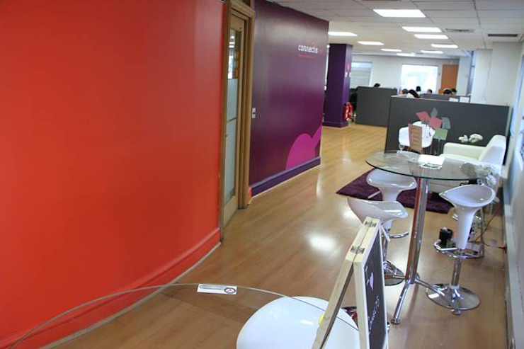 Remodelación Oficinas Connectis Santiago de Super A Studio Moderno Vidrio
