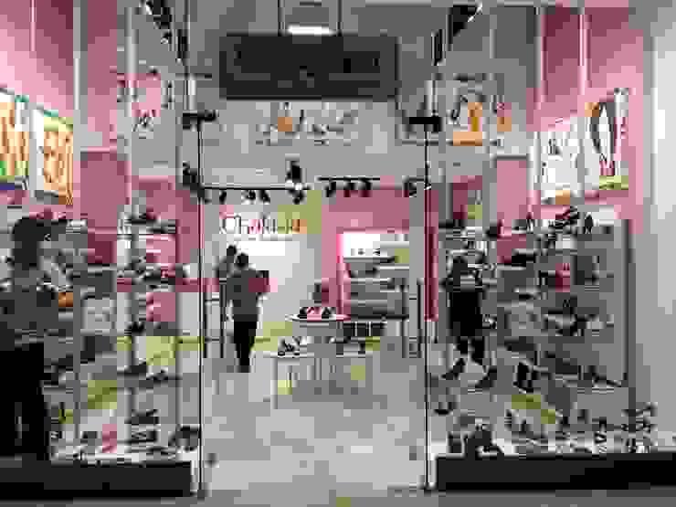 Торговые центры в стиле модерн от Super A Studio Модерн Стекло