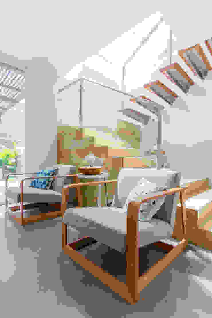 Casa mediterránea Salas modernas de Adrede Diseño Moderno