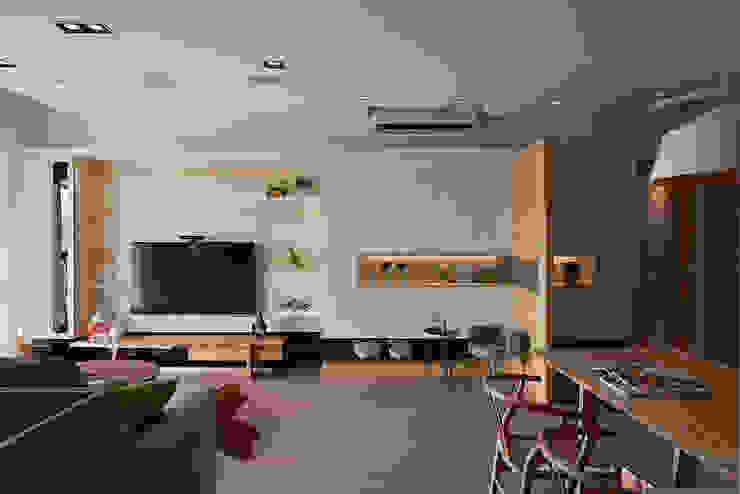 Ruang Keluarga Gaya Skandinavia Oleh 耀昀創意設計有限公司/Alfonso Ideas Skandinavia