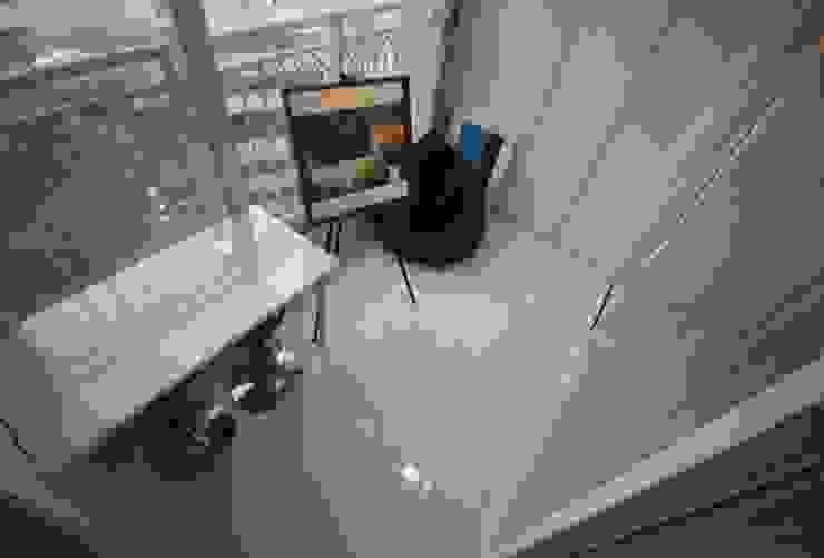 [신혼집인테리어] 서울 영등포 대림동 한솔솔파크 아파트인테리어 33PY 모던스타일 발코니, 베란다 & 테라스 by 디자인스튜디오 레브 모던