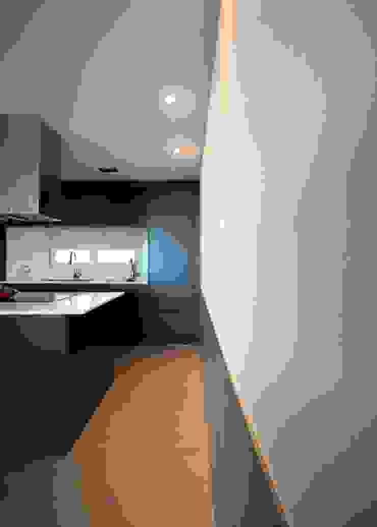 [심플인테리어] 화성시 동탄2신도시 마이너스옵션 아파트인테리어 34PY 모던스타일 주방 by 디자인스튜디오 레브 모던