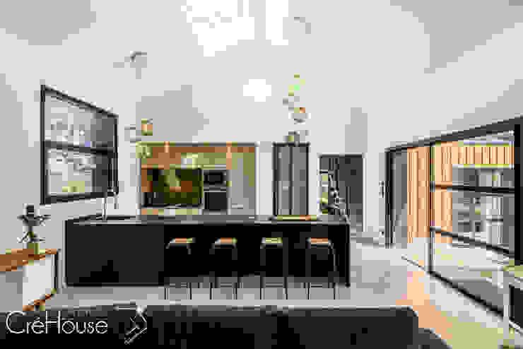 現代廚房設計點子、靈感&圖片 根據 Agence CréHouse 現代風