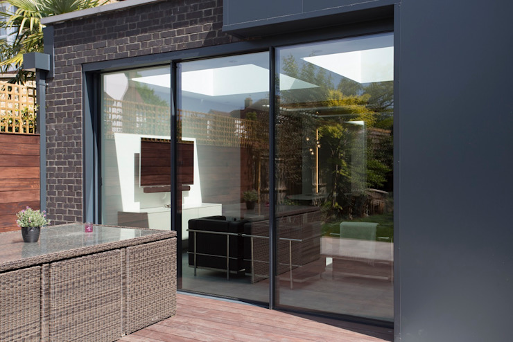 Waldegrave :  Houses by IQ Glass UK, Modern