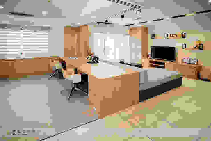富立DC休閒會館 根據 寬森空間設計 現代風 木頭 Wood effect