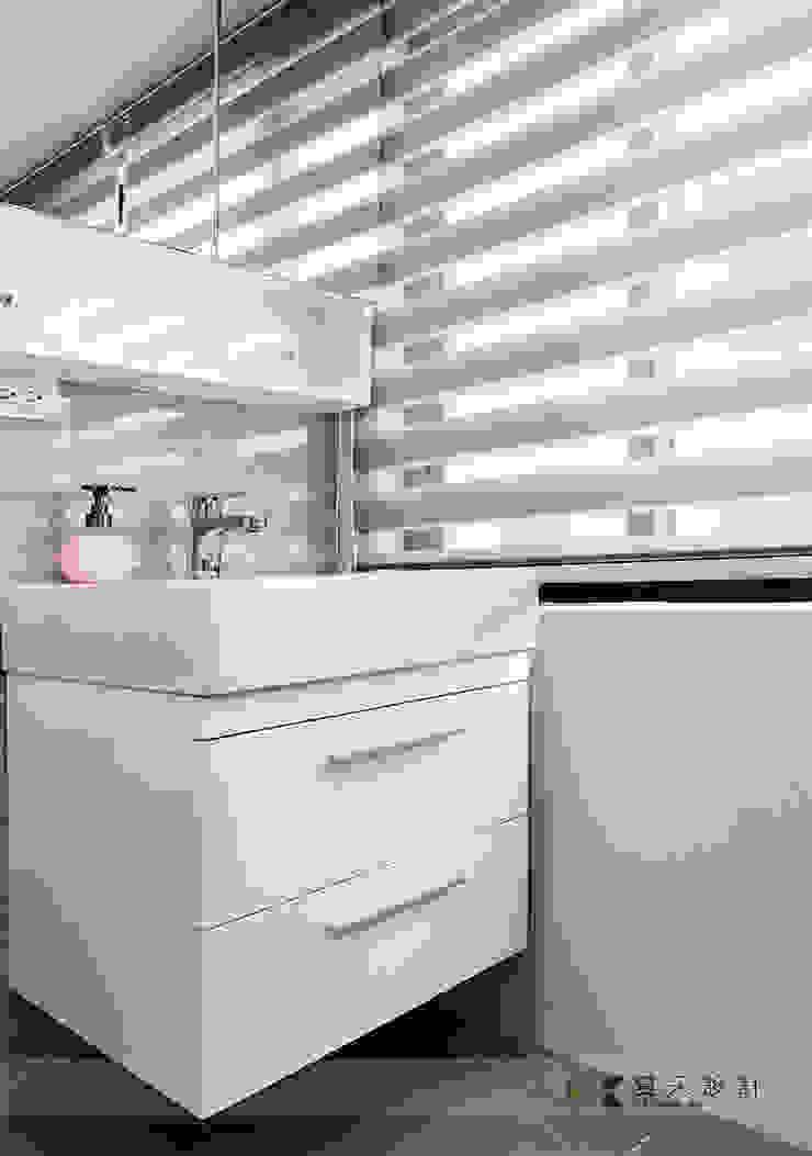 富立DC休閒會館 現代浴室設計點子、靈感&圖片 根據 寬森空間設計 現代風 陶器