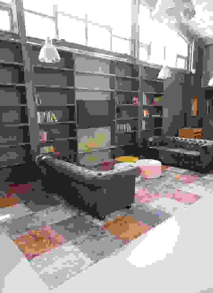 maatwerk boekenkast van AID Interieur Architecten Eclectisch