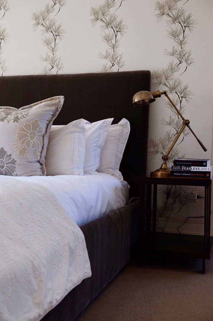 bedroom details: classic  by Westhouse and Garden, Classic Copper/Bronze/Brass