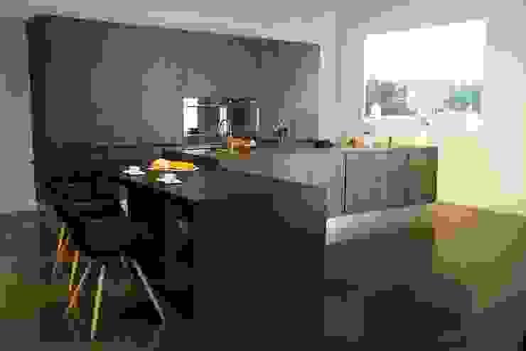 Matt surface whole kitchen: ผสมผสาน  โดย GIO HOME KITCHEN .CO.,LTD, ผสมผสาน เซรามิค