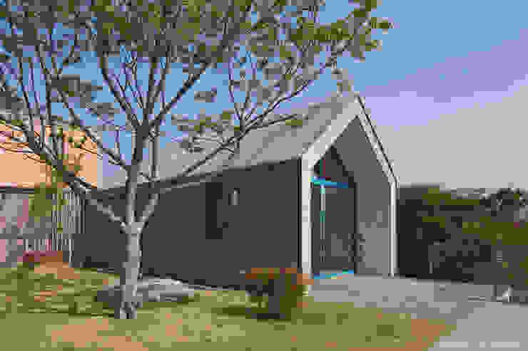 Casas de estilo  por 솔토지빈