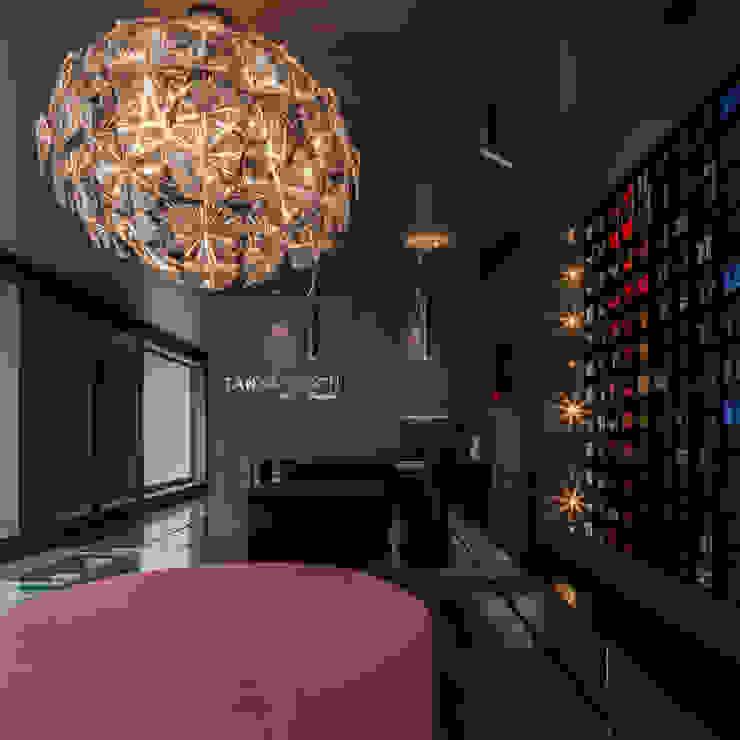 reception area TANYA HEATH shop by INAIN Interior Design Modern