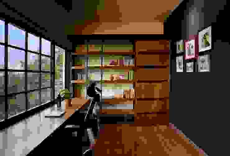 Studio in stile  di Saka Studio