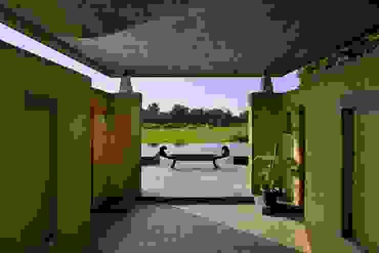 C Farm Modern garden by Saka Studio Modern