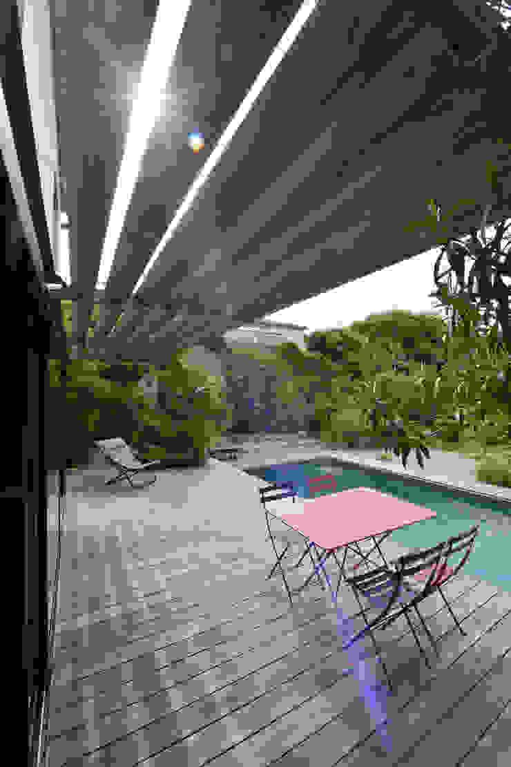 Balcones y terrazas de estilo mediterráneo de Atelier Jean GOUZY Mediterráneo
