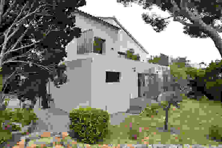 Casas de estilo mediterráneo de Atelier Jean GOUZY Mediterráneo