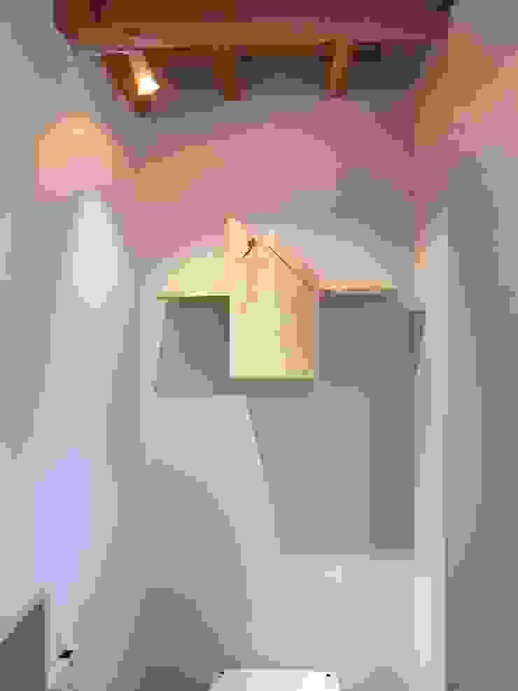 8gi・studio Modern Walls and Floors Wood Beige