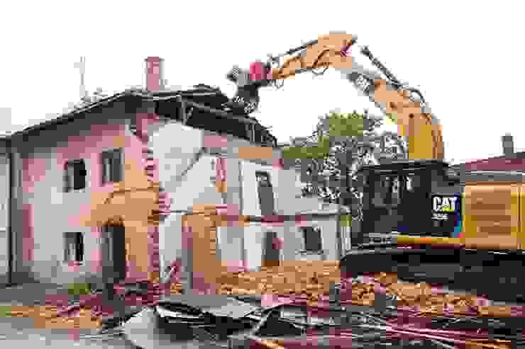 รับทุบตึก รื้อถอนอาคาร รับทุบบ้าน รื้อถอนโรงงานเก่า: คลาสสิก  โดย บ.สุริยะ การโยธา จำกัด, คลาสสิค เหล็ก
