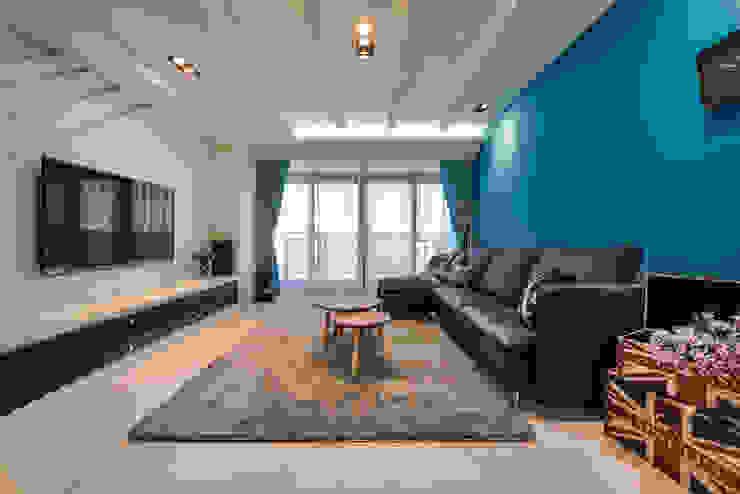 客廳 Mediterranean style living room by 存果空間設計有限公司 Mediterranean