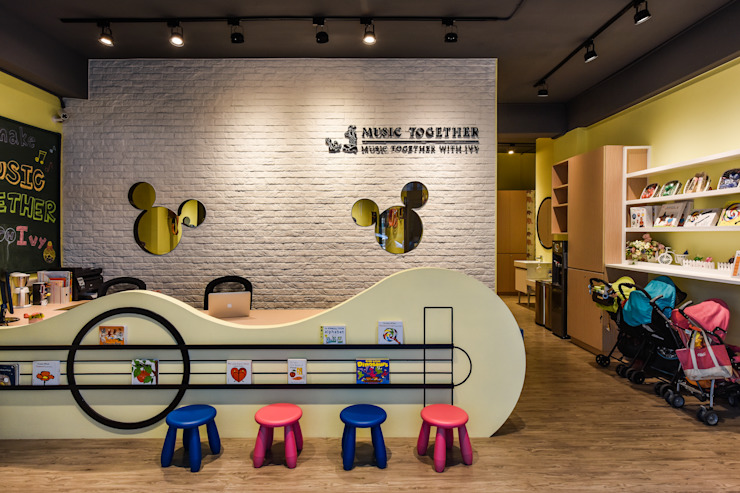 造型櫃台 Eclectic style offices & stores by 存果空間設計有限公司 Eclectic