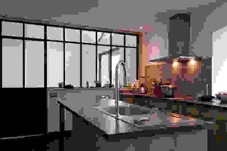 Modern kitchen by Atelier Claire Dupriez Modern