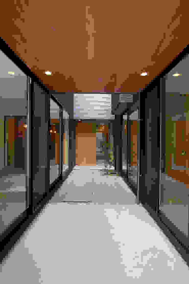 福徳町の家 モダンな庭 の 今井賢悟建築設計工房 モダン