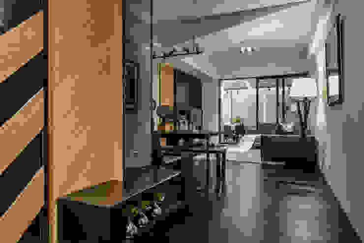 玄關 現代風玄關、走廊與階梯 根據 存果空間設計有限公司 現代風