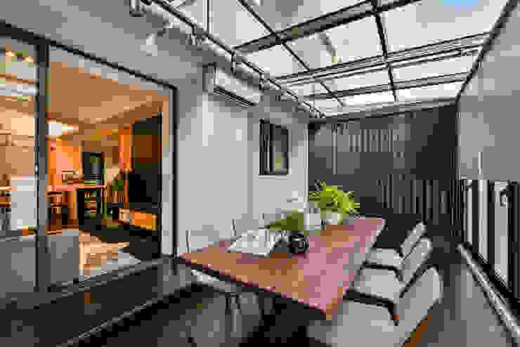 Balcon, Veranda & Terrasse modernes par 存果空間設計有限公司 Moderne