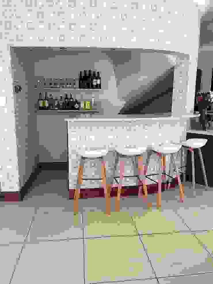 Bar: modern  by Candice Woodward Interiors cc, Modern