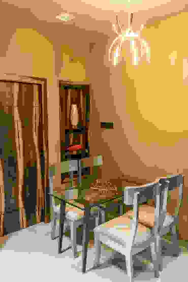 Rishi Villa—Pune Modern dining room by Aesthetica Modern