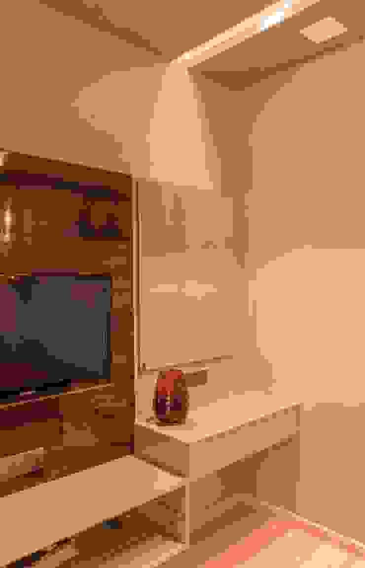 Rishi Villa—Pune Modern study/office by Aesthetica Modern