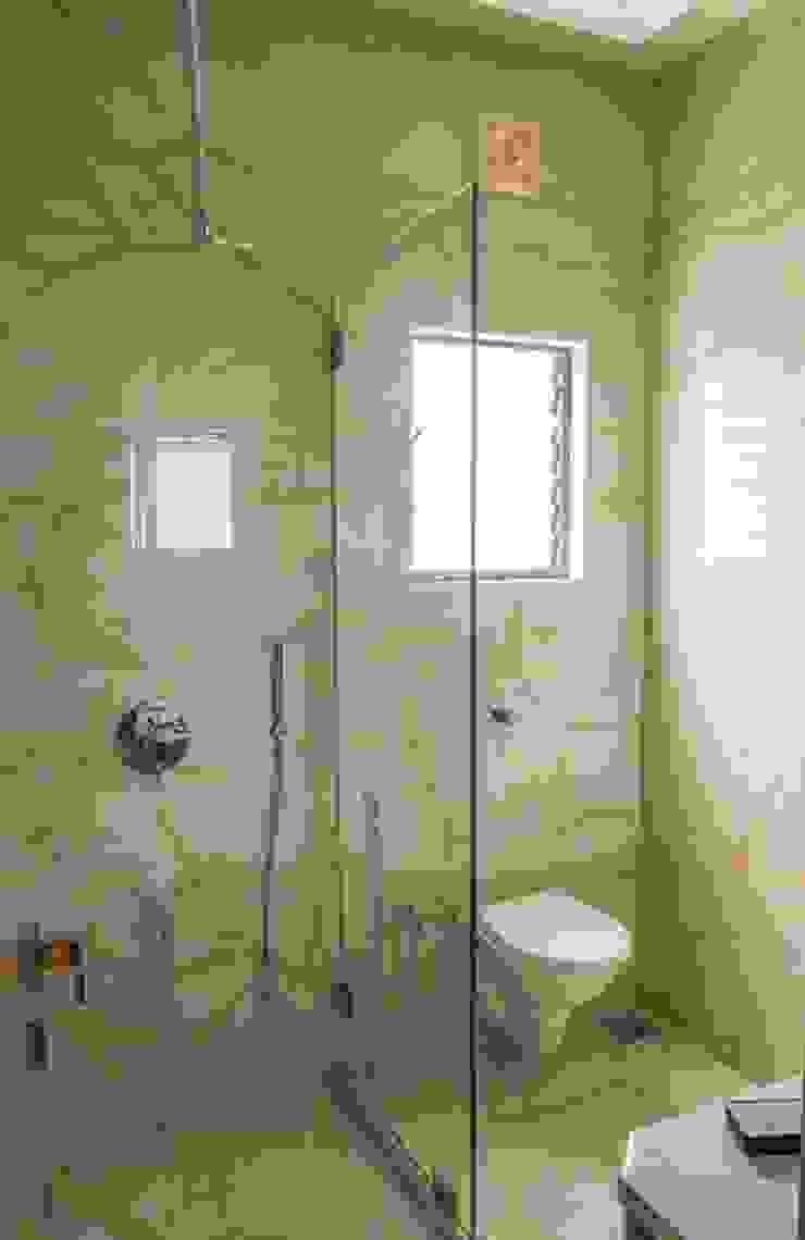 Rishi Villa—Pune Modern bathroom by Aesthetica Modern