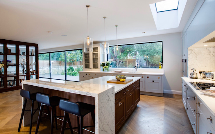 Barnes: Contemporary Smallbone Kitchen :  Kitchen by Studio K Design,