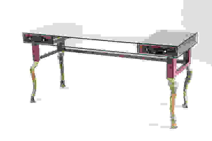 Big croco desk: modern  by Egg Designs CC, Modern Wood Wood effect