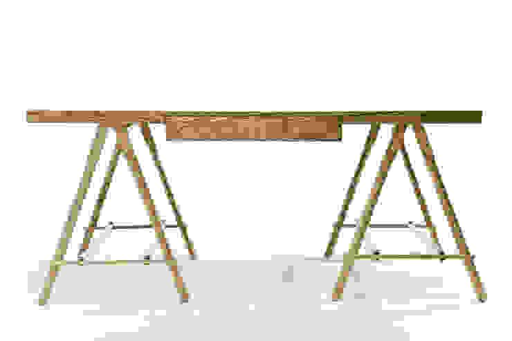 Tressel desk: modern  by Egg Designs CC, Modern Wood Wood effect